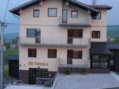 Apartments Trojka