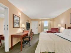 Baymont Inn & Suites - Cleveland