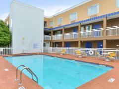 Baymont Inn & Suites - Savannah Midtown