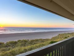 Best Western Plus Lincoln Sands Oceanfront Suites
