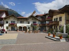 Castello Falkner Chalets & Residences