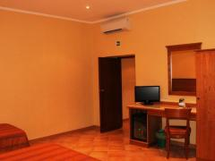 Colonna Room Rental