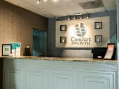 Comfort Inn & Suites Overland Park