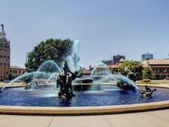 Courtyard Kansas City Country Club Plaza