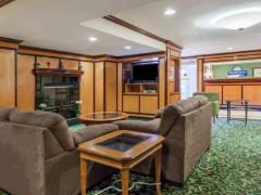 Days Inn & Suites Detroit Warren/Sterling Heights