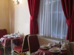 Glendale Hyde Park Hotel