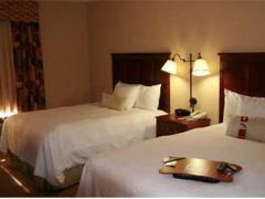 Hampton Inn & Suites Largo
