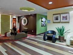 Holiday Inn Express Cruise Airport