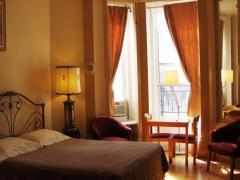 Hotel & Suites Place des Arts