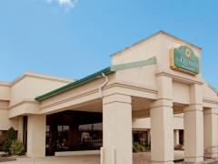 La Quinta Inn & Suites Fairfield, NJ