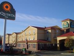 La Quinta Inn & Suites Kansas City Airport