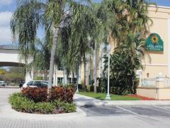 La Quinta Inn & Suites Plantation at Southwest 6th Street