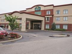 La Quinta Inn & Suites St. Louis Airport-Riverport