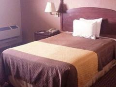 Mid Towne Inn & Suites