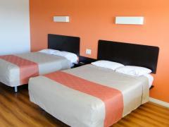 Motel 6 - Clinton