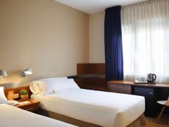 Tres Torres Atiram Hotels