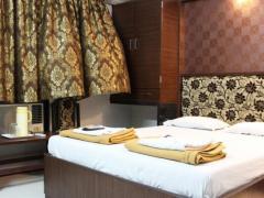 Vista Rooms at Chembur Station