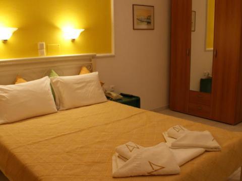 Annita's Village Hotel