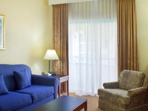 DoubleTree Suites by Hilton Mount Laurel