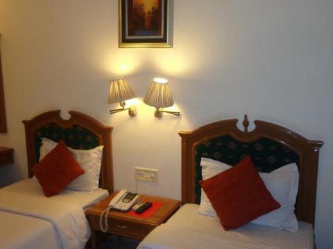 Hotel Regalia Retreat